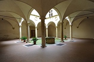 Foto del chiostro del Palazzo Minucci Solaini