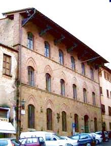 Foto della facciata del Palazzo Vigilanti
