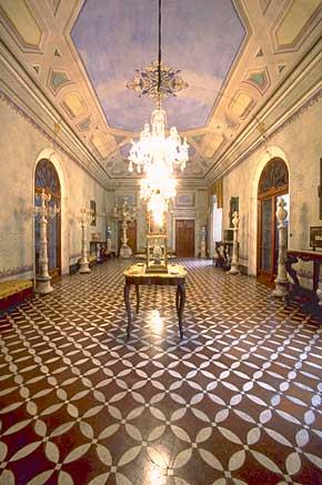 Foto della sala da ballo del Palazzo Viti